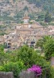 En sikt av Valldemossa i Mallorca, Spanien Arkivfoto