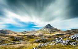 En sikt från bergen av Abruzzo Italien Royaltyfria Bilder