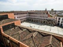En sikt från ovannämnt av plazaen Alta i Badajoz Arkivbild