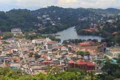 En sikt från ovannämnt av staden av Kandy Sri Lanka Royaltyfri Bild
