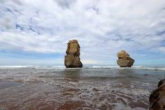 En sikt på 12 apostlar near port Campbell, den stora havvägen i Victoria, Australien arkivbild