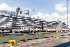 En sikt på den Panama kanalen arkivbild