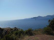 En sikt till ett hav från Crvena Glavica Montenegro Royaltyfria Bilder