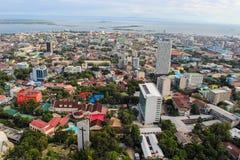 En sikt uppifrån av den Cebu staden, Filippinerna arkivfoto