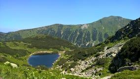 En sjö i berget för TÃ-¡ tra Royaltyfri Fotografi