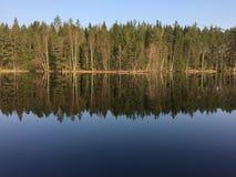En sjö i Sverige, HÃ¥cksvik, Västra Götaland arkivbilder