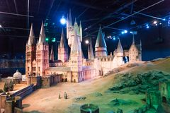 En skalamodell av Hogwarts den Warner Brothers studion Arkivbild