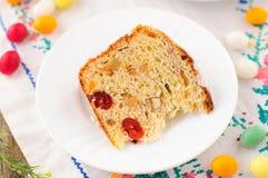 En skiva av Kulitch (Kulich), sött bröd för rysk påsk Arkivbild