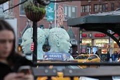 En skulptur i New York City Royaltyfria Bilder