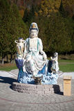 En skulptur i vietnamesisk kloster arkivfoto
