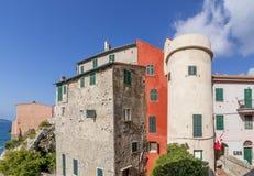 En skymt av den ljuva sjösidabyn av Tellaro, La Spezia, Liguria, Italien royaltyfri bild