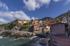 En skymt av den ljuva sjösidabyn av Tellaro, La Spezia, Liguria, Italien arkivbild