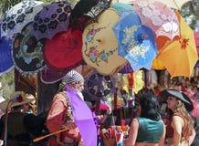 En slags solskyddförsäljare på den Arizona renässansfestivalen Royaltyfri Foto