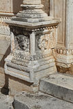 En sniden grund med pelaren Royaltyfri Fotografi
