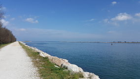 En solig dag på havet i Italien Arkivbilder