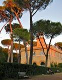 En solnedgång på Borghese Ville i Rome Fotografering för Bildbyråer
