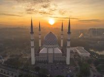 En solnedgång på den blåa moskén, Shah Alam Arkivfoton