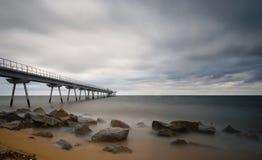 En soluppgång i stranden fotografering för bildbyråer