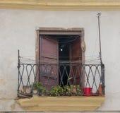 En spansk kolonial byggnad i havannacigarren, Kuba arkivfoto