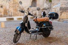 En sparkcykel i Frankrike Arkivfoton