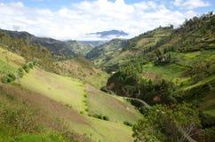 En spektakulär sikt av ecuadorianska Anderna Arkivfoto