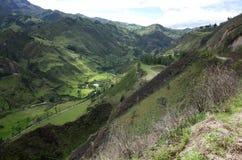 En spektakulär sikt av ecuadorianska Anderna Arkivbilder
