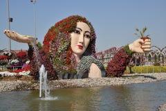 En springbrunn på mirakelträdgården, Dubai Arkivbilder
