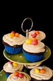 Muffiner på svart bakgrund Arkivfoto
