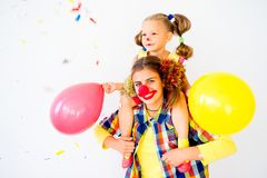 En stående av en clown Arkivbilder
