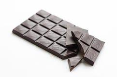 En stång av mörk choklad Arkivfoto