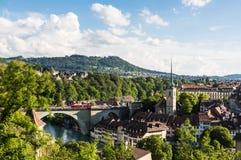 En stadssikt av Berne, Switerzerland huvudstad Arkivfoto