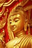 En staty av Buddha Arkivfoto