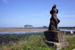 En staty av den kvinnliga dykaren Royaltyfri Fotografi