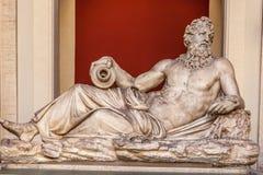En staty av den Tiber guden Royaltyfri Foto