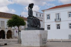 En staty i centret av Lagos - Algarve, Portugal arkivfoto