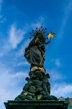 En staty i en fyrkant i Heidelberg Royaltyfri Bild