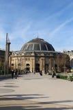En stor europeisk byggnad royaltyfria bilder