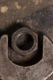 En stor skiftnyckel och mutter Garagehjälpmedel Fotografering för Bildbyråer