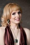 En stor stående av en härlig blond flicka Royaltyfri Foto