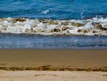 En stor våg på havet Arkivfoton