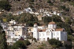 En stor vit målade kyrkan i Kritsa, Grekland Royaltyfri Foto