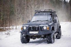 En stora svarta expeditions- SUV fotografering för bildbyråer