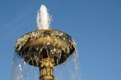 En storartad springbrunn i Stuttgart royaltyfri bild