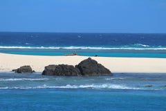 En strand i de sakrala öarna, Mamanuca öar, Fiji royaltyfri foto