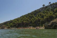 En strand i Peschici kallade Baia Jalillo Arkivfoto