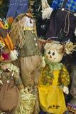 En Straw Scarecrow Man och en kvinna Arkivfoto