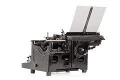 En studio sköt av en skrivandemaskin för gammal stil Arkivbilder