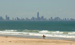 Den Gold Coast horisonten - Brisbane Royaltyfri Bild