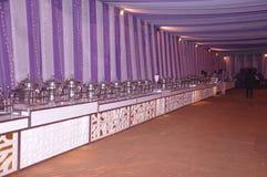 en tältgarnering med utställningsföremål Arkivbild