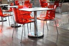 En tabell i ett kafé Royaltyfria Bilder